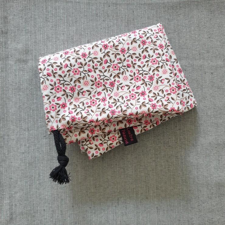 Sac à chargeurs - petites fleurs roses