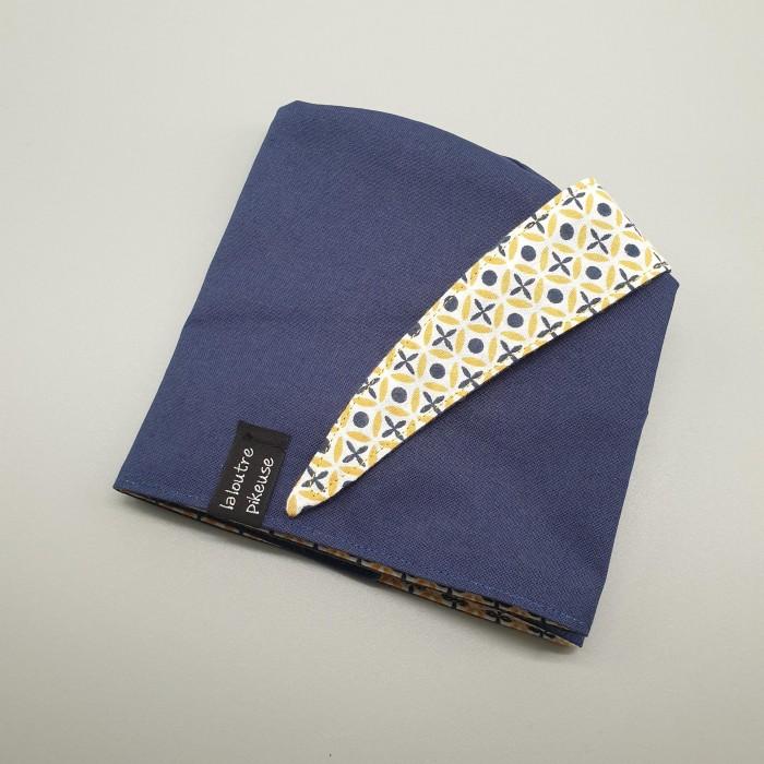Calot de bloc motifs jaunes et bleu marine