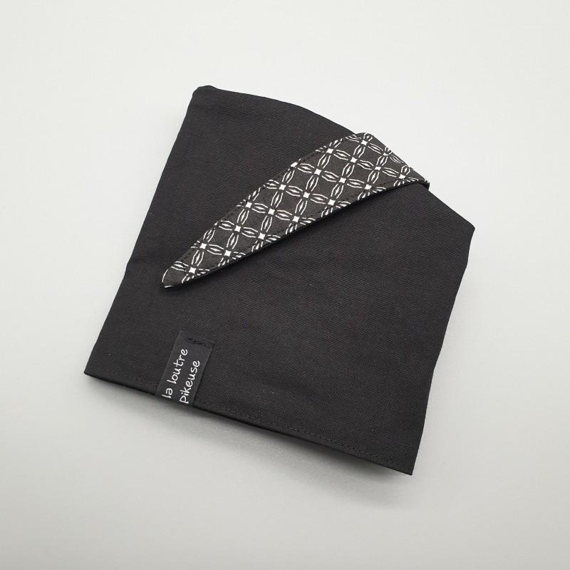 Calot de bloc couvrant réversible - fleurs géométriques noires et noir uni
