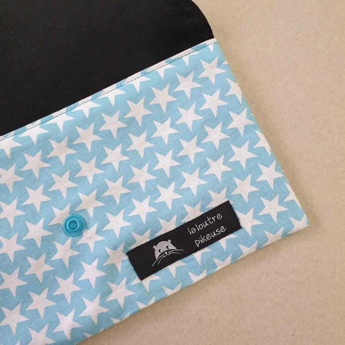 Pochette à masques - étoiles bleues claires