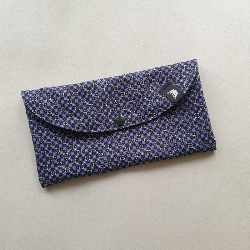Pochette à masques - petites fleurs violettes