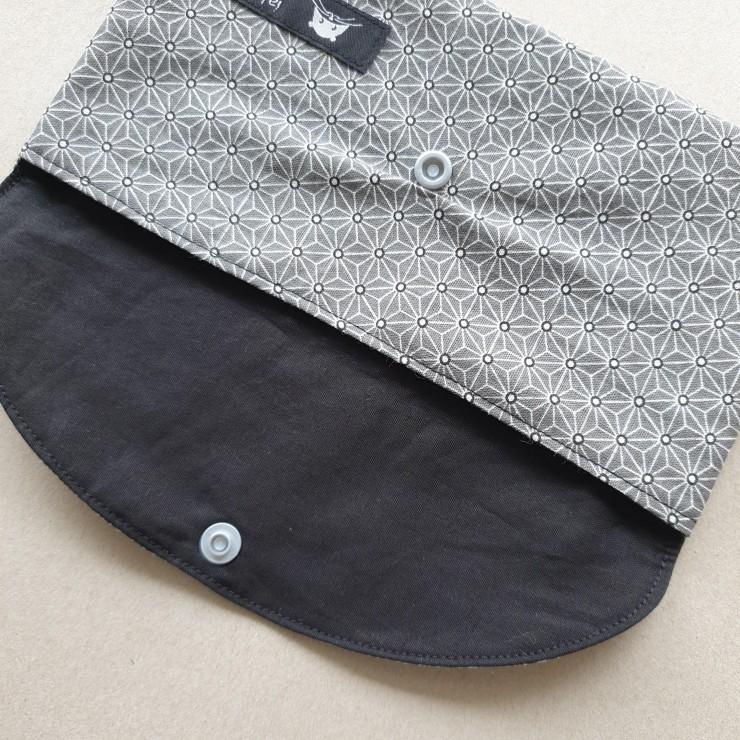 Pochette à masques - motif japonais asanoha gris