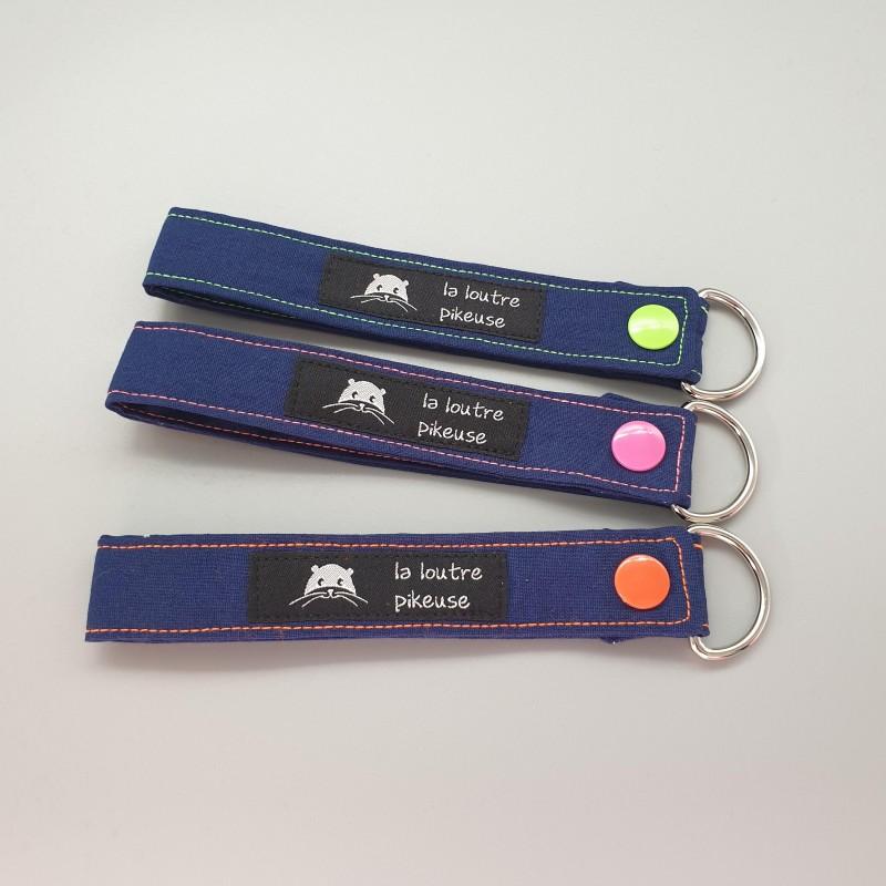 Porte-clé capsule fluo - bleu marine