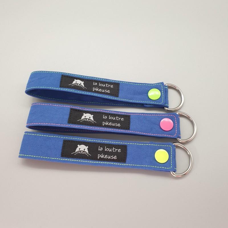 Porte-clé capsule fluo - bleu royal
