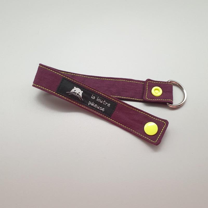 Porte-clé capsule fluo - prune